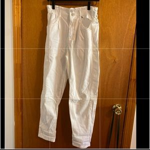 New Zara paperbag white baggy jeans size 4